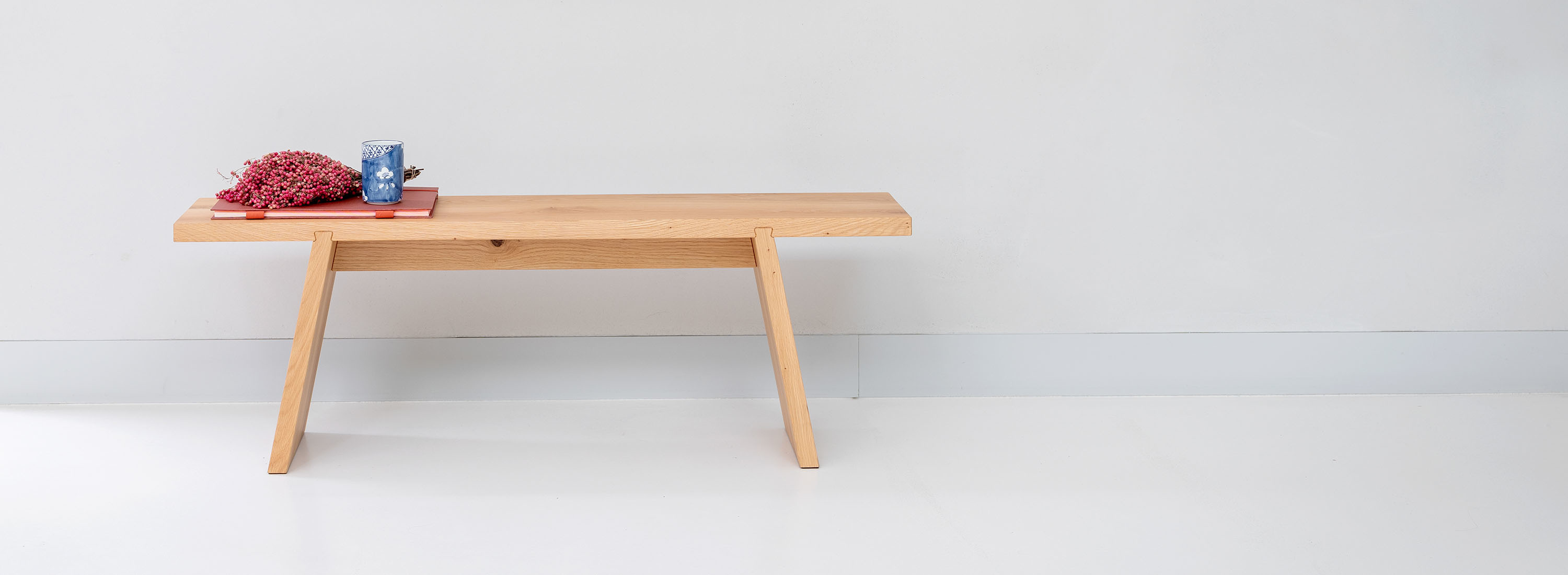 DOVETAIL BENCH
