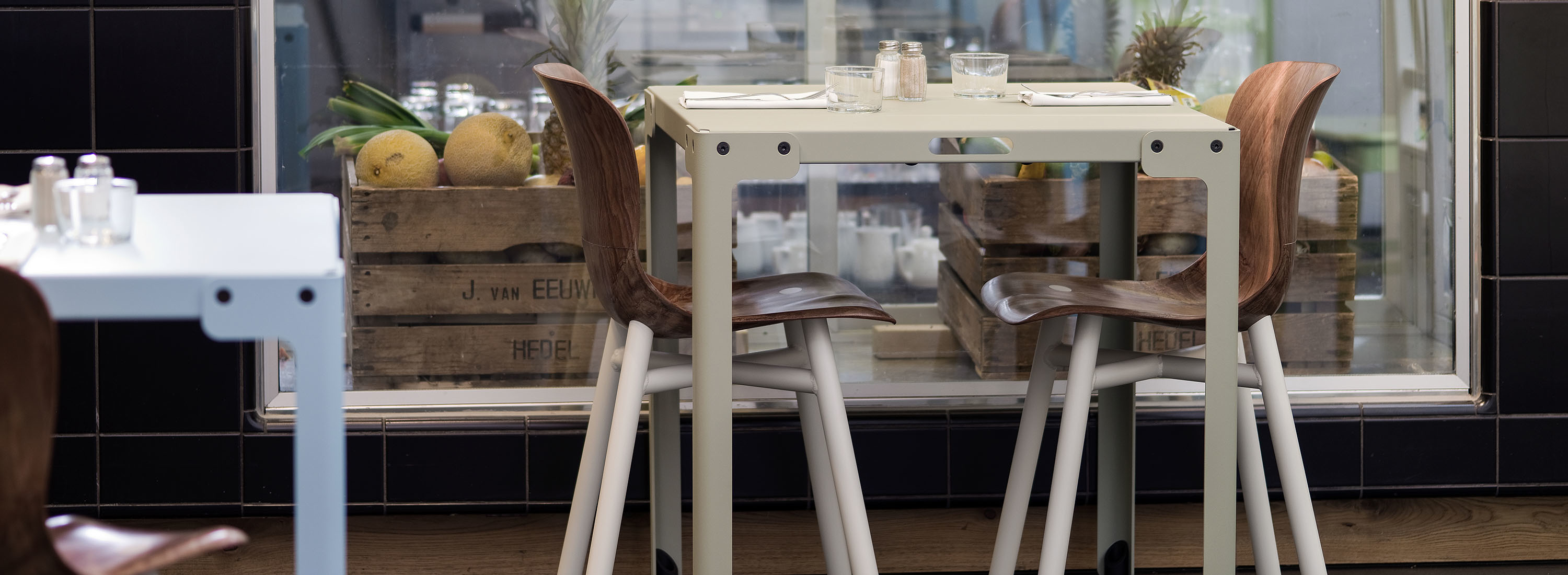 T-TABLE cafebord